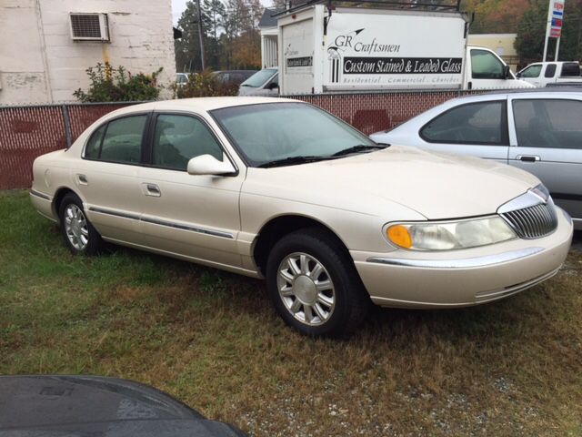 2001 lincoln continental base 4dr sedan in high point nc cars that go. Black Bedroom Furniture Sets. Home Design Ideas