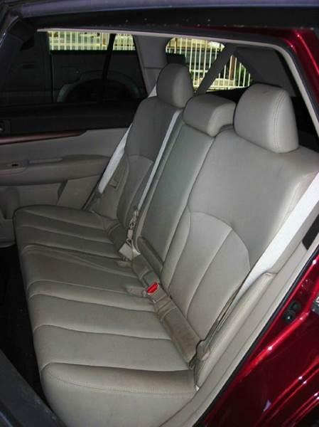 2013 Subaru Outback AWD 2.5i Limited 4dr Wagon - Tucson AZ