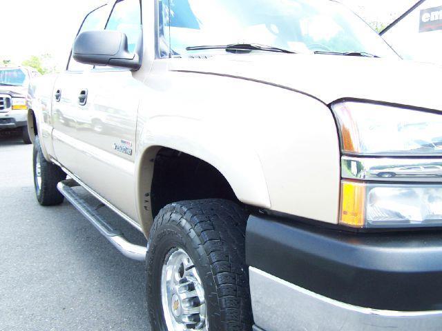 2004 Chevrolet Silverado 2500Hd LT Crew Cab Short Bed 4WD In Locust Grove VA - E & M Auto Sales