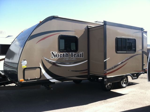 2014 NORTH TRAIL 21FBS