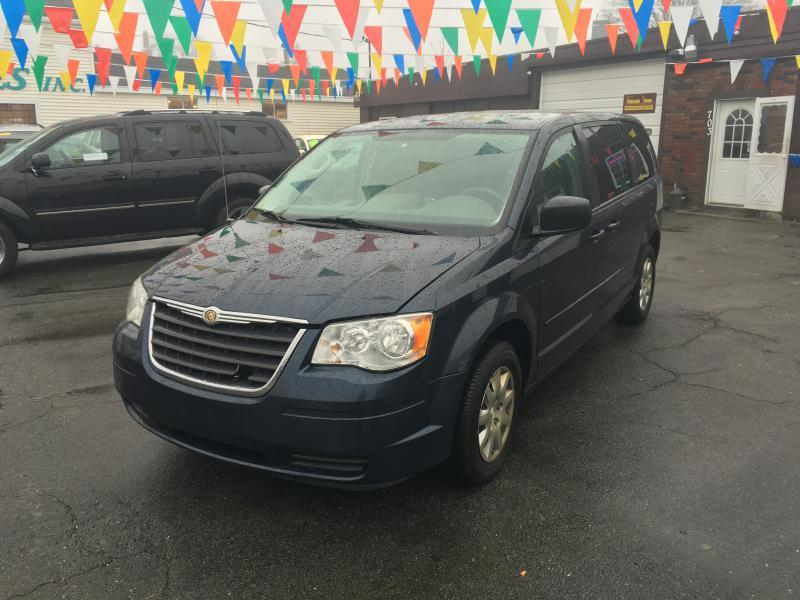 2008 chrysler town and country lx 4dr mini van in westport