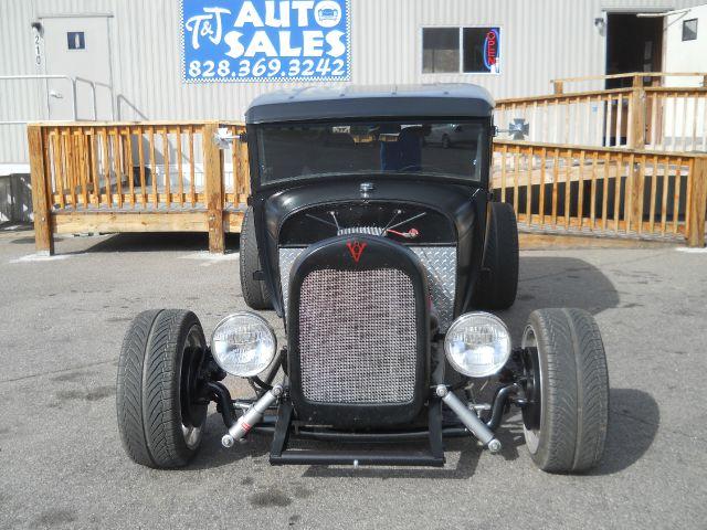1928 Ford Model A 3 door