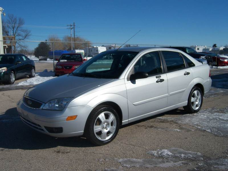 2007 ford focus zx4 ses 4dr sedan in fond du lac wi 151. Black Bedroom Furniture Sets. Home Design Ideas