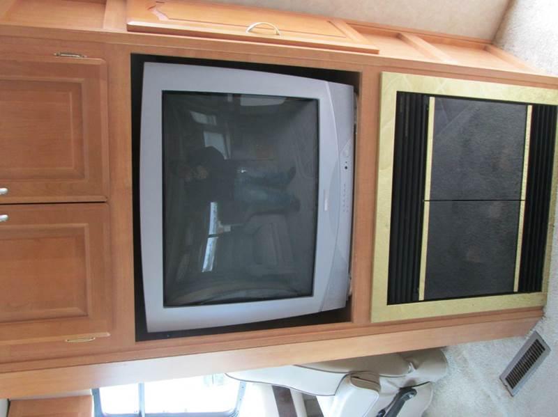 2005 Fleetwood GEORGETOWN XL M-326XL - Eaton CO