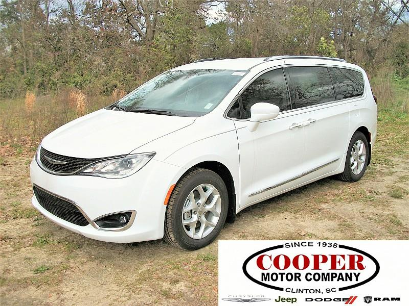 l paris pacifica van passenger in inventory new fwd chrysler touring south