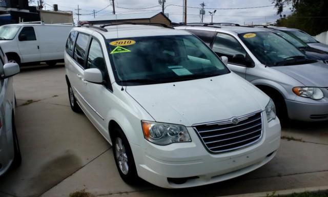 2010 Chrysler Town and Country Touring 4dr Mini-Van - Topeka KS