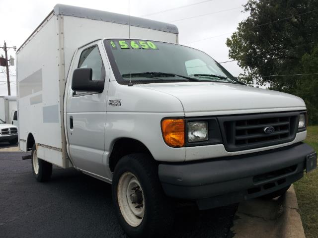 2005 Ford E-Series Box Van