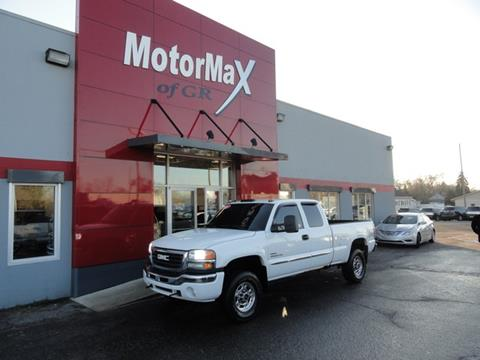 2005 GMC Sierra 2500HD for sale in Grandville, MI