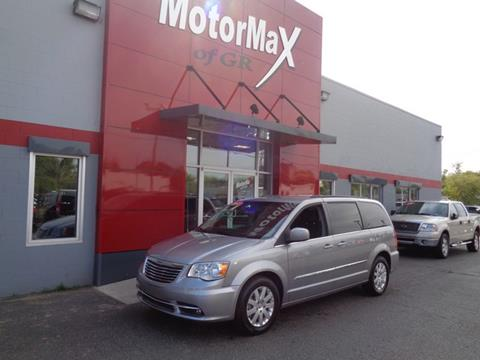 2015 Chrysler Town and Country for sale in Grandville, MI