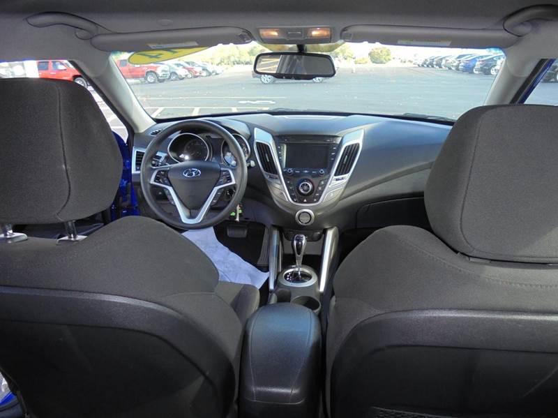 2014 Hyundai Veloster Base 3dr Coupe DCT w/Black Seats - Geneva NY