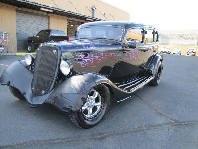 1933 Ford Sedan