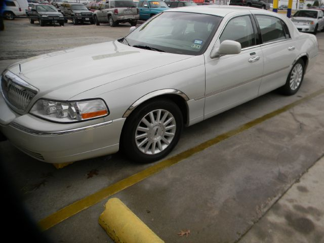 2004 Lincoln Town Car for sale in Ft Worth TX