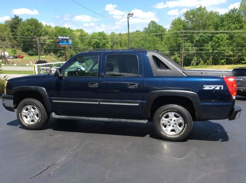 2004 Chevrolet Avalanche 4dr 1500 4WD Crew Cab SB - Hickory NC