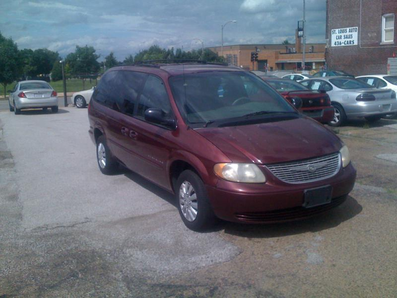 2001 chrysler town and country lx 4dr extended mini van in saint louis east saint louis saint. Black Bedroom Furniture Sets. Home Design Ideas
