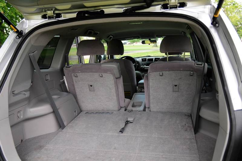 2009 Toyota Highlander Base AWD 4dr SUV - Terre Haute IN