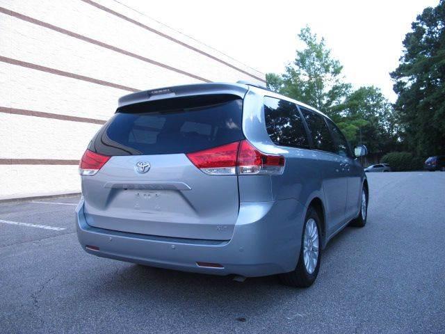 2011 Toyota Sienna XLE 7-Passenger Auto Access Seat 4dr Mini-Van - Raleigh NC