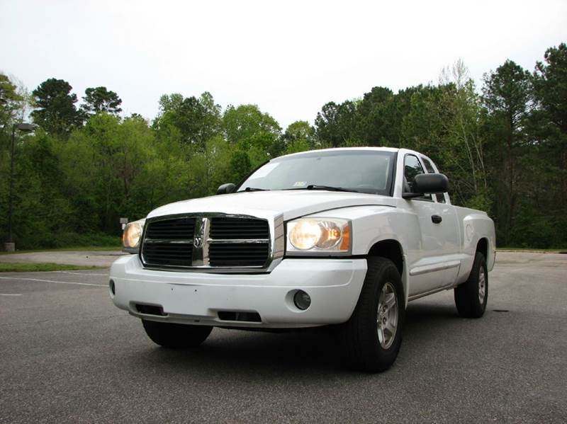 2006 dodge dakota 4wd slt 4dr club cab sb in raleigh nc best import auto sales inc. Black Bedroom Furniture Sets. Home Design Ideas