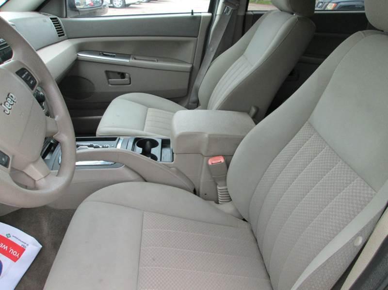2006 Jeep Grand Cherokee Laredo 4dr SUV 4WD - Beaumont TX