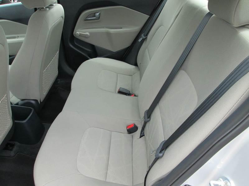 2016 Kia Rio LX 4dr Sedan 6M - Beaumont TX