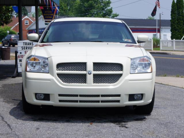 2005 Dodge Magnum AWD RT 4dr Wagon - Whitehall PA
