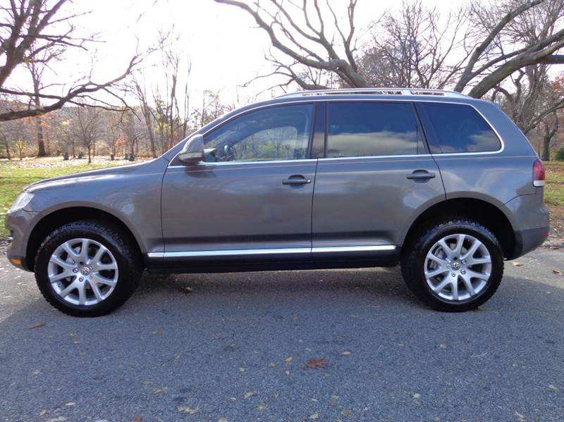 2008 volkswagen touareg 2 v8 fsi awd 4dr suv in newark nj. Black Bedroom Furniture Sets. Home Design Ideas