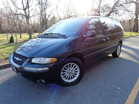 1999 Chrysler Town and Country for sale in Newark, NJ