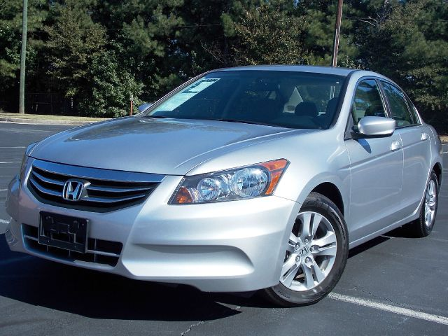 2011 HONDA ACCORD LX-P SEDAN AT alabaster silver metallic very clean inside and out power driver