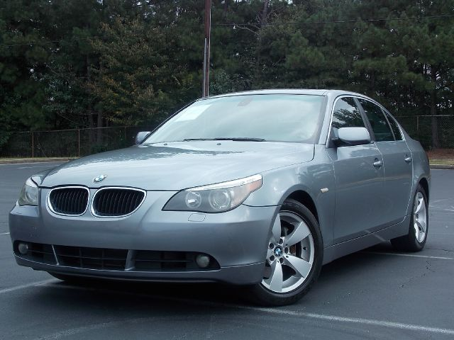 2006 BMW 5 SERIES 530I dark gray sunroof bluetooth runs and looks great with luxury features lik
