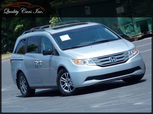 2011 HONDA ODYSSEY EX-L alabaster silver metallic 1-owner dvd player back-up camera sunroof po