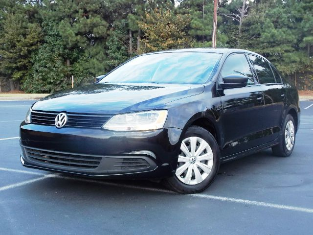 2011 VOLKSWAGEN JETTA S black tinted windows keyless entrywell maintained 5 passenger vehicle is