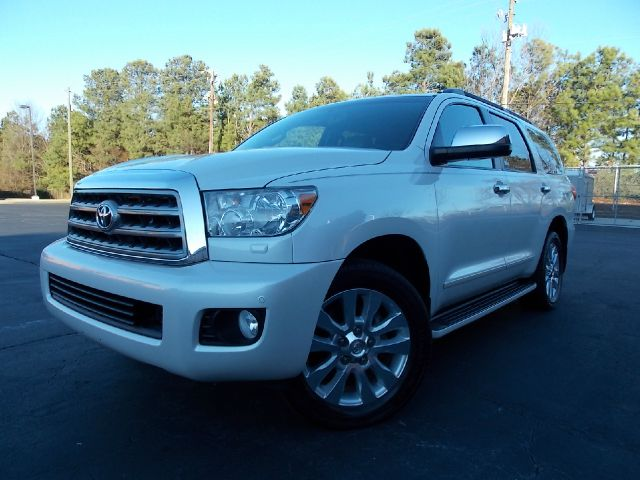 2008 TOYOTA SEQUOIA PLANTIUM 2WD white a must see luxirius vehicle with navigation dvd rear-vie