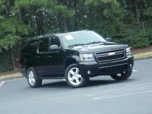 2008 CHEVROLET SUBURBAN LT1 1500 4WD black runs like new very reliable cd player bluetooth po