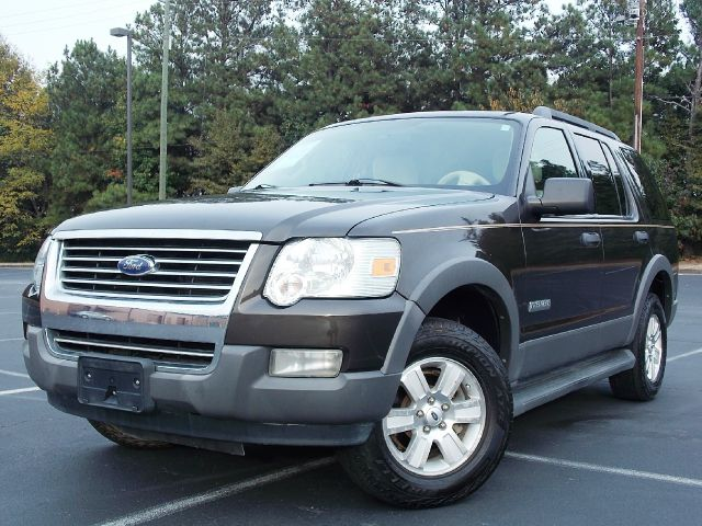 2006 FORD EXPLORER XLT 40L 2WD gray tow hitch mp3 player very reliable with features like drive
