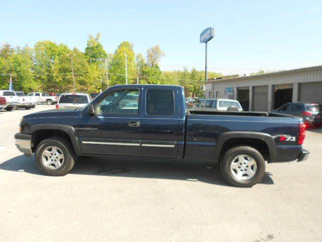 2005 CHEVROLET SILVERADO 1500 LS 4DR EXTENDED CAB 4WD SB blue 4wd type - part time abs - 4-wheel