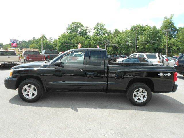 2005 DODGE DAKOTA SLT 4DR CLUB CAB 4WD SB black axle ratio - 355 bumper color - chrome center