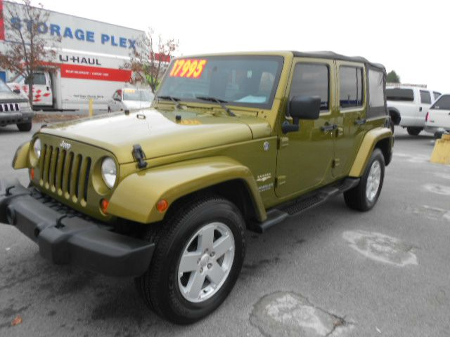 2007 JEEP WRANGLER UNLIMITED SAHARA 4DR SUV 4WD green its hard to beat a jeep few vehicles in am