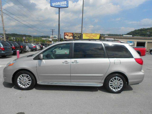 2008 TOYOTA SIENNA XLE MINI VAN PASSENGER silver roomy comfortable and well built perfect for t