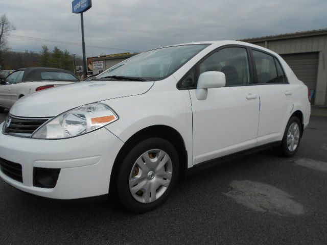 2011 NISSAN VERSA 18 S 4DR SEDAN 4A white roomy interior with an adult-friendly backseat you won