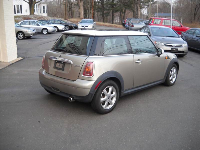 2009 MINI Cooper Base 2dr Hatchback - Coventry CT