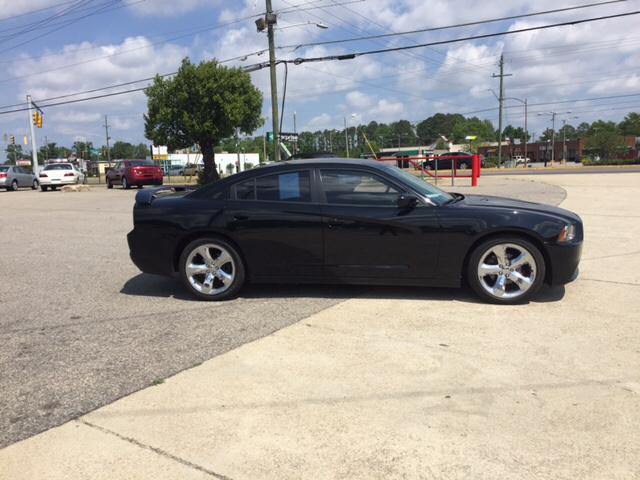 2013 Dodge Charger SE 4dr Sedan - Fayetteville NC