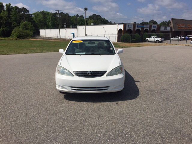 2004 Toyota Camry LE 4dr Sedan - Fayetteville NC