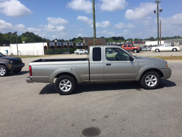 2001 Nissan Frontier 2dr XE King Cab SB 2WD - Fayetteville NC