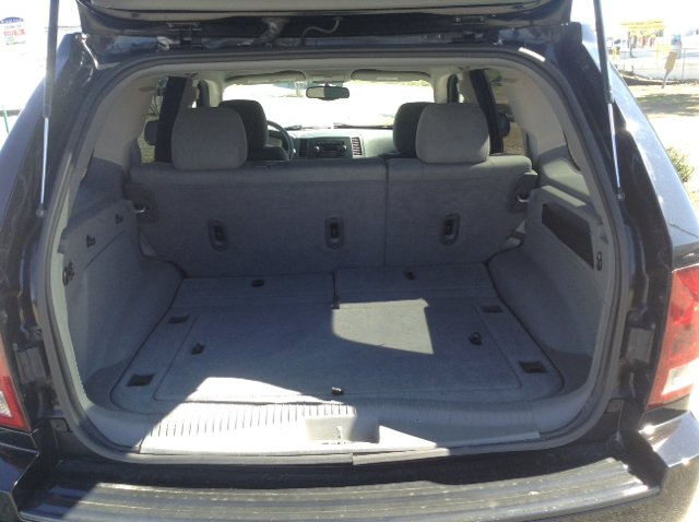 2006 Jeep Grand Cherokee Laredo 4dr SUV 4WD w/ Front Side Airbags - Fayetteville NC