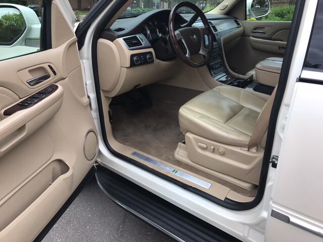 2009 Cadillac Escalade Base AWD 4dr SUV - Independence MO