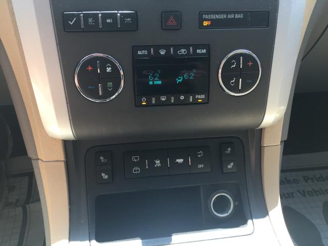 2010 Chevrolet Traverse LT AWD 4dr SUV w/2LT - Waynesboro PA