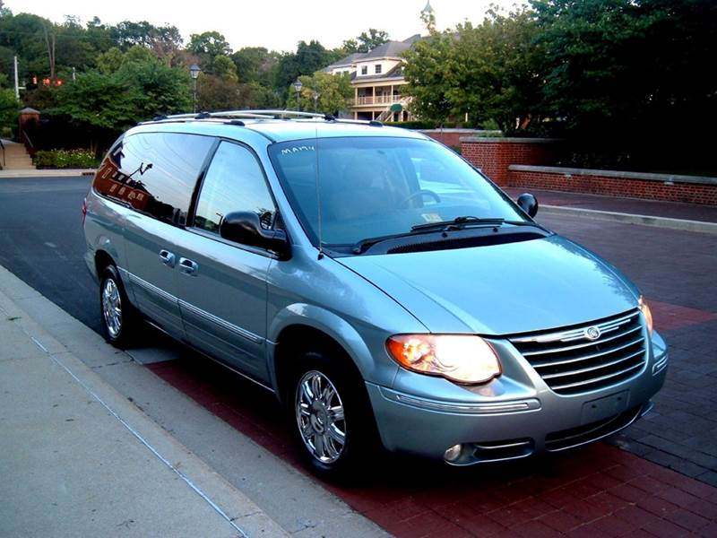 2005 chrysler town and country limited 4dr extended mini van in carmel in third avenue motors. Black Bedroom Furniture Sets. Home Design Ideas
