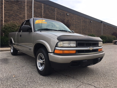2001 Chevrolet S-10 for sale in Cleveland, OH