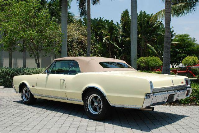 1967 Oldsmobile Cutlass Supreme Convertible - Fort Myers Beach FL