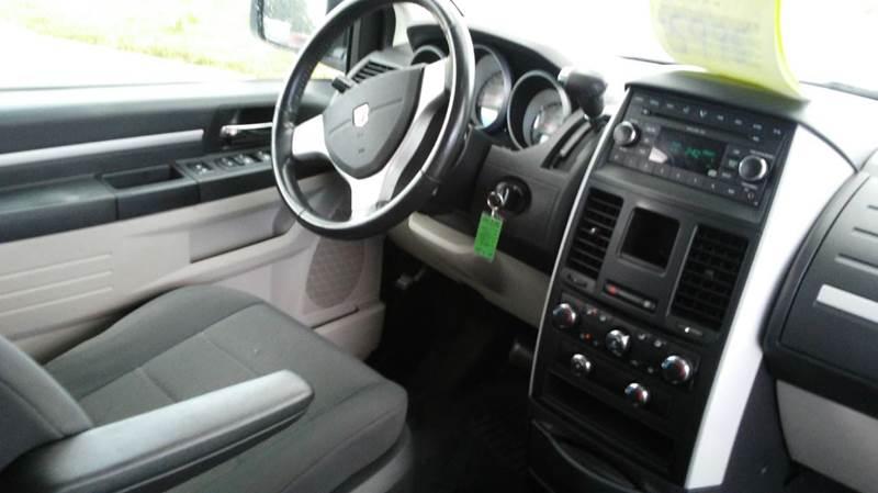 2008 Dodge Grand Caravan SXT Extended Mini-Van 4dr - Wayne MI
