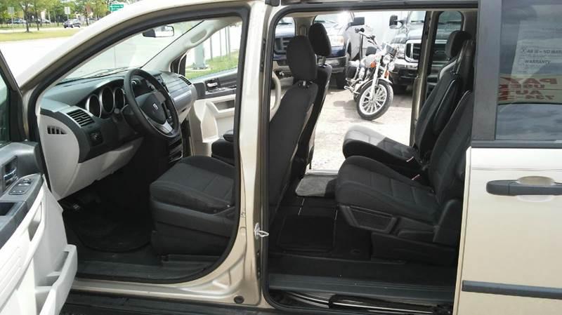 2008 Dodge Grand Caravan SE 4dr Extended Mini-Van - Wayne MI